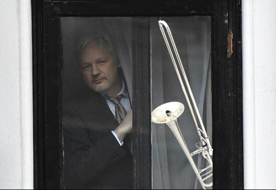Ecuadorian embassy orders Julian Assange to surrender his trombone