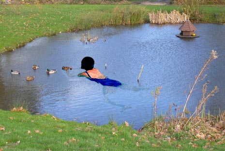 Suffolk woman sets World record for 1,983 mile non-stop swim around village pond