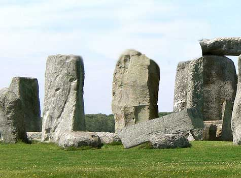 Thieves steal Stonehenge pillar and Banksy cartoon