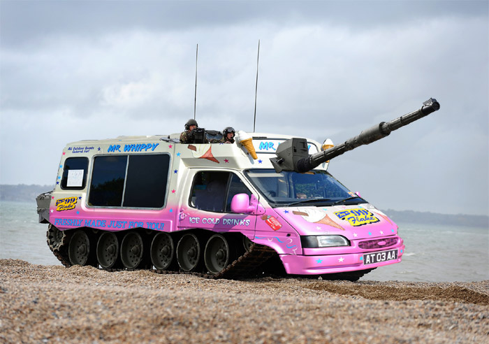 Ice cream van camouflage makes tanks more difficult to identify